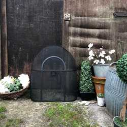 Charming Country Farmhouse Vintage Black Oval Top Fireguard / Fireplace Screen