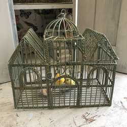 Charming Vintage Country Style Little Green Ornamental Metal Bird Cage - 3 Birds