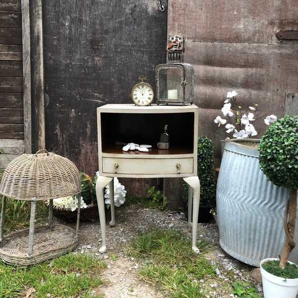 Vintage Bow Fronted Grey Hand Painted Bedside / Side Table With Cupboard 1 Drawer