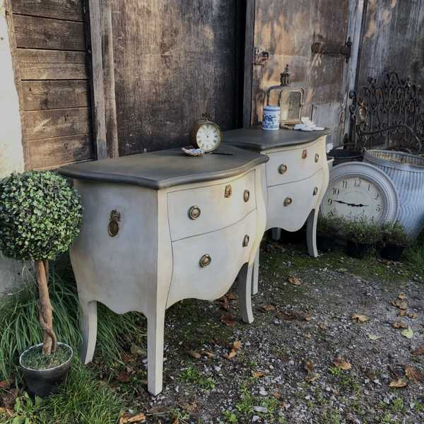 Pair of Grey Hand Painted Gustavian French Bombe Style Chest of Drawers Ornate Details