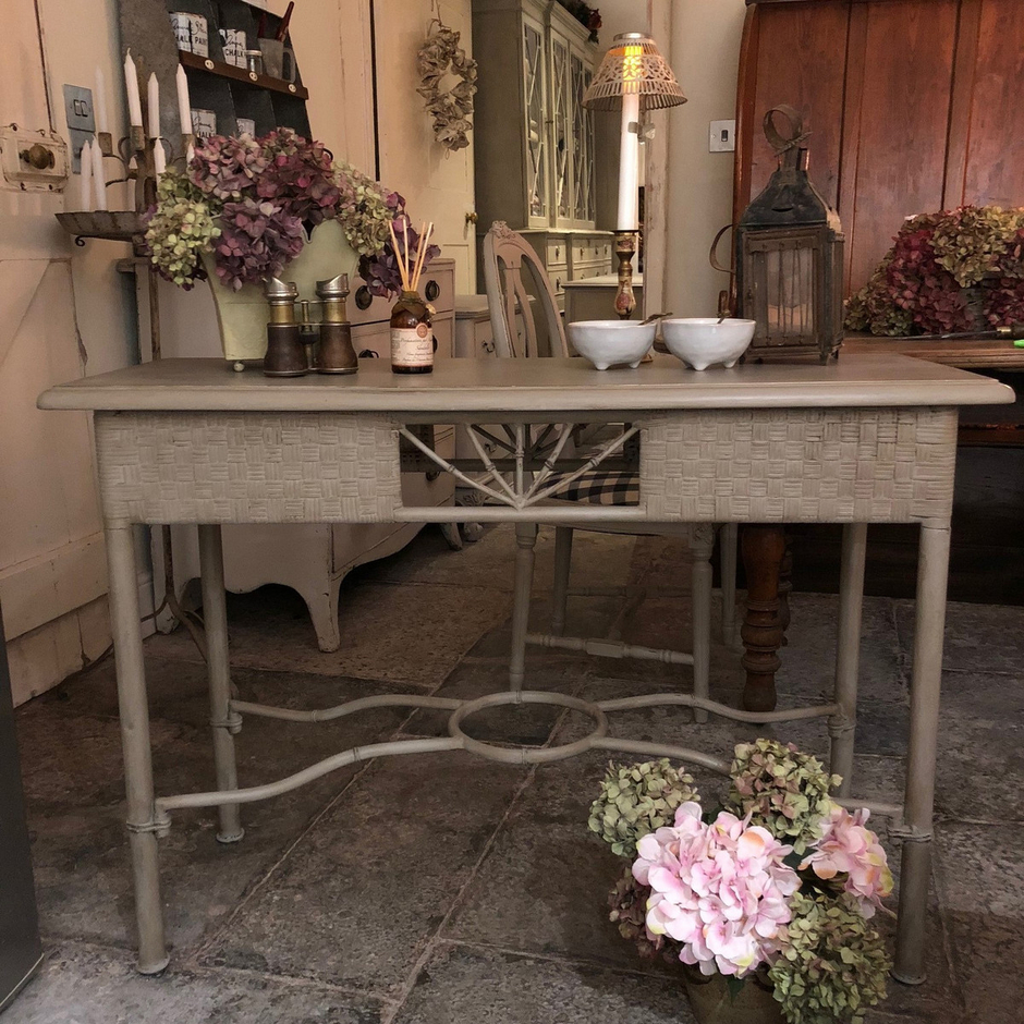 Vintage country style bamboo imitation side table console table vintage country style bamboo imitation side table console table with interesting details geotapseo Gallery